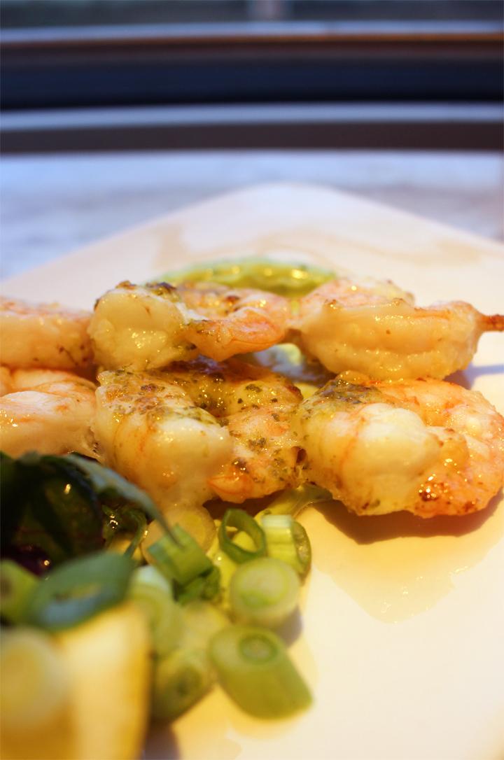 Garlic & lemon marinated prawns served with sweet chilli chutney and a basil & lime mayo