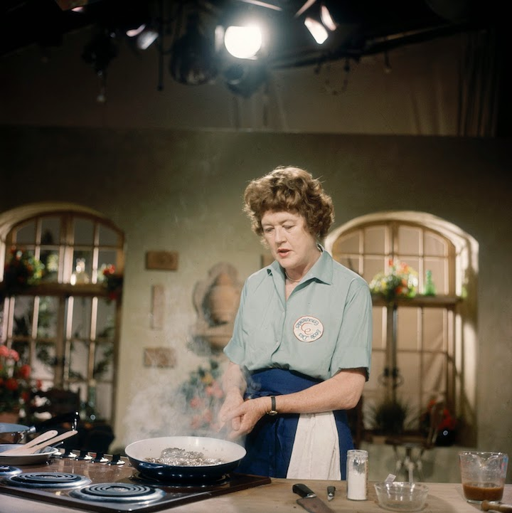 Mastering the art of French Cooking by Julia Child, Simone Beck & Louisette Bertholle