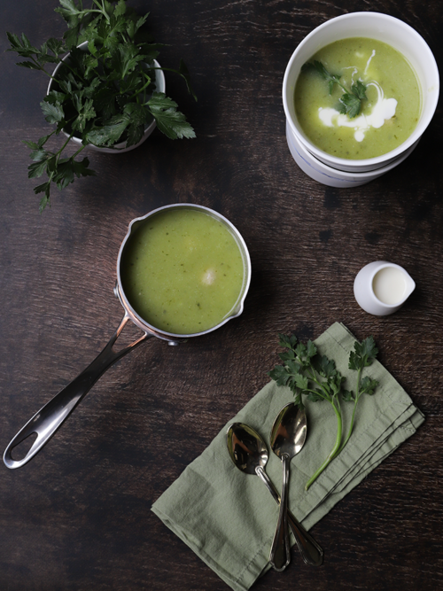 Courgette soup with mini meatballs